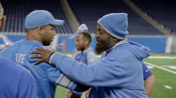 NFL TV Spot, 'A Truck for Those That Serve' - Thumbnail 6