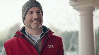 ACE Hardware Wrap It in Red TV Spot, 'The Best Brands Make the Best Gifts' - Thumbnail 4