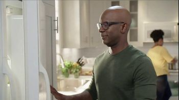Lowe's Black Friday Deals TV Spot, 'The Moment: Frigidaire' - Thumbnail 2