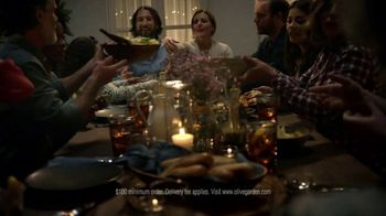 Olive Garden Catering TV Spot, 'Be in the Moment' - Thumbnail 7