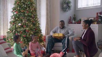 Lowe's Black Friday Deals TV Spot, 'Gift-Giver: Dewalt Drill' - Thumbnail 9