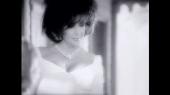 Elizabeth Taylor White Diamonds TV Spot, 'The Intriguing Fragrance' - Thumbnail 1