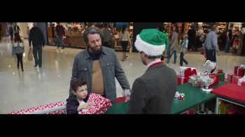 Verizon Unlimited TV Spot, 'Wrapping Paper: Bow' Feat. Thomas Middleditch - Thumbnail 7