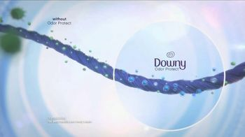 Downy Protect & Refresh TV Spot, 'Half-Washed: Steakhouse' - Thumbnail 8