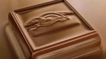 Ghirardelli Squares TV Spot, 'Discover the Heart' - Thumbnail 9