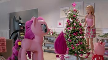 Target TV Spot, 'Deck the Halls in Millennial Pink' Featuring Nate Berkus - Thumbnail 5