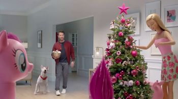 Target TV Spot, 'Deck the Halls in Millennial Pink' Featuring Nate Berkus - Thumbnail 6