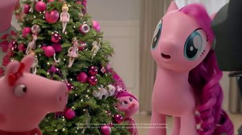 Target TV Spot, 'Deck the Halls in Millennial Pink' Featuring Nate Berkus - Thumbnail 8