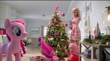 Target TV Spot, 'Rosa dorado' con Jaime Camil [Spanish] - Thumbnail 4