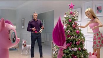 Target TV Spot, 'Fiestas con Millenial Pink' con Jaime Camil [Spanish] - Thumbnail 7