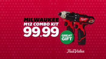 True Value Hardware Wrap It Up Sale TV Spot, 'Dewalt Drill & LED Light Set' - Thumbnail 3