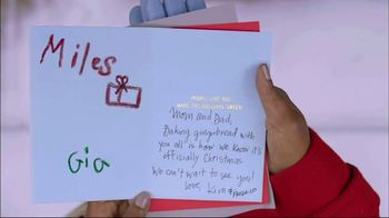 Hallmark Signature Cards TV Spot, 'Spread Cheer' Song by Gwen Stefani - Thumbnail 5