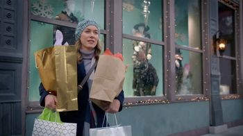 Popeyes $20 Holiday Feast TV Spot, 'A Real Dinner' - Thumbnail 8