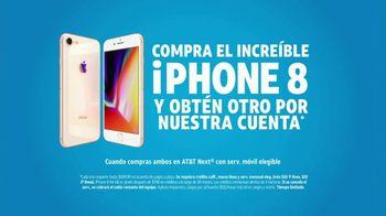 AT&T Next TV Spot, 'Chismosa: iPhone 8' [Spanish] - Thumbnail 7