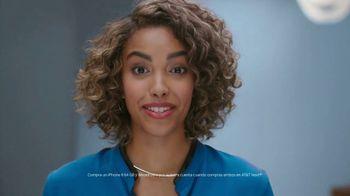 AT&T Next TV Spot, 'Chismosa: iPhone 8' [Spanish] - Thumbnail 2