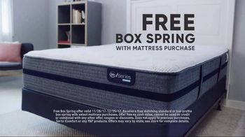 Mattress Firm Winter Slumber Sale TV Spot, 'Getting Your Wires Crossed' - Thumbnail 6