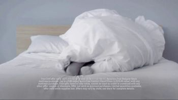 Mattress Firm Winter Slumber Sale TV Spot, 'Getting Your Wires Crossed' - Thumbnail 9