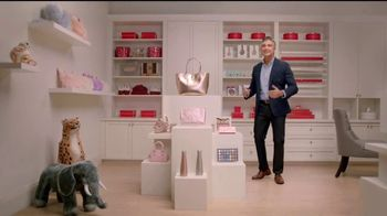 Target TV Spot, 'El cuarto secreto' con Jaime Camil [Spanish]
