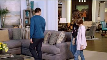Rooms to Go Holiday Sale TV Spot, 'Interest Free Financing' - Thumbnail 7