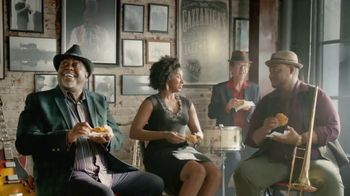 Popeyes $5 Holiday Feast TV Spot, 'Treat Yourself' - Thumbnail 6