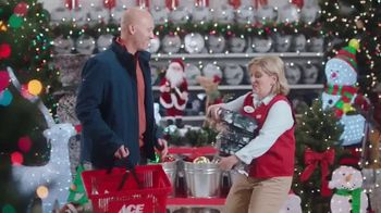 ACE Hardware Biggest Holiday Light Sale TV Spot, 'Huge Holiday Savings' - Thumbnail 7