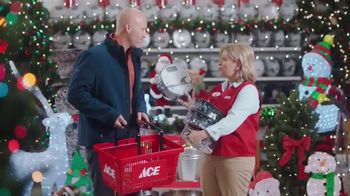 ACE Hardware Biggest Holiday Light Sale TV Spot, 'Huge Holiday Savings' - Thumbnail 8