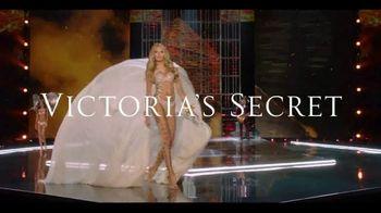 Victoria's Secret TV Spot, 'Fashion Show Bag' - Thumbnail 2