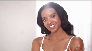 Aveeno Skin Relief Lotion TV Spot, 'MVP' Featuring Renee Elise Goldsberry - Thumbnail 6