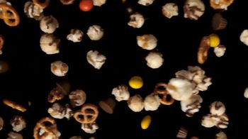 Hershey's Popped Snack Mix TV Spot, 'Snack Within a Snack' - Thumbnail 2