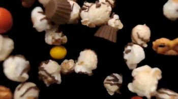 Hershey's Popped Snack Mix TV Spot, 'Snack Within a Snack' - Thumbnail 3
