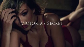 Victoria's Secret Bombshell TV Spot, 'Hello, Bombshell' Song by Kevin Morby - Thumbnail 10