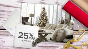 Bassett Black Friday Weekend TV Spot, 'Chairs and Collections' - Thumbnail 4