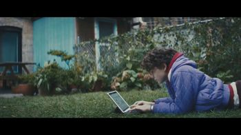 Apple iPad Pro TV Spot, 'Computadora' canción de Louis the Child [Spanish] - Thumbnail 8