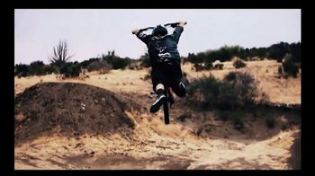 LifeProof TV Spot, 'Family Man' Featuring Cameron Zink, Song by Smashtrax - Thumbnail 9