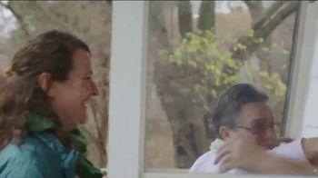 23andMe TV Spot, 'Pat and Angel: Adopted' - Thumbnail 5