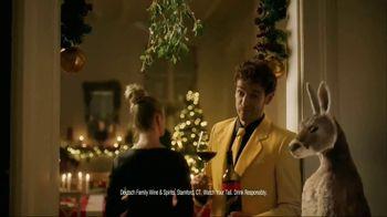Yellow Tail TV Spot, 'Holiday Mistletoe' - Thumbnail 1