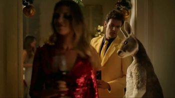 Yellow Tail TV Spot, 'Holiday Mistletoe' - Thumbnail 5