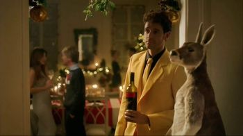 Yellow Tail TV Spot, 'Holiday Mistletoe' - Thumbnail 7