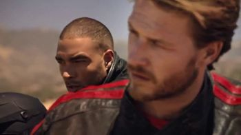 Ralph Lauren Polo Red Extreme TV Spot, 'Motociclistas' [Spanish] - Thumbnail 7