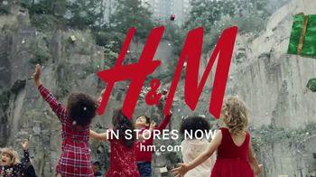 H&M TV Spot, 'A Magical Holiday' Featuring Nicki Minaj, Jesse Williams - Thumbnail 10