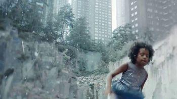 H&M TV Spot, 'A Magical Holiday' Featuring Nicki Minaj, Jesse Williams - Thumbnail 5