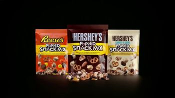 Hershey's Popped Snack Mix TV Spot, 'Snack Brothers' - Thumbnail 9
