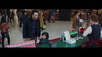 Verizon Unlimited TV Spot, 'Wrapping Paper' Featuring Thomas Middleditch - Thumbnail 1