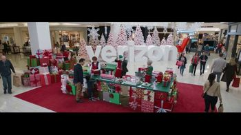 Verizon Unlimited TV Spot, 'Wrapping Paper' Featuring Thomas Middleditch - Thumbnail 2