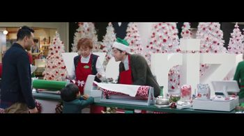 Verizon Unlimited TV Spot, 'Wrapping Paper' Featuring Thomas Middleditch - Thumbnail 4