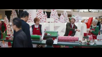 Verizon Unlimited TV Spot, 'Wrapping Paper' Featuring Thomas Middleditch - Thumbnail 5
