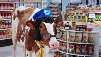 DairyPure Sour Cream TV Spot, 'Cow Tipping' - Thumbnail 4