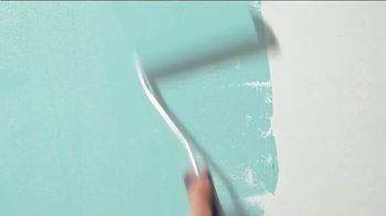 Benjamin Moore TV Spot, 'Inspired by Nature: Don't Leave Your Couch' - Thumbnail 7