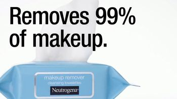 Neutrogena Towelettes TV Spot, 'Eiza Gonzalez Saves a Smokey Eye Look' - Thumbnail 8
