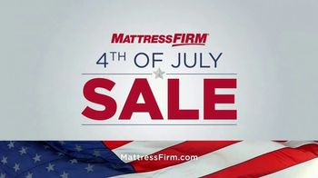 Mattress Firm 4th of July Sale TV Spot, 'Free Adjustable Base' - Thumbnail 4